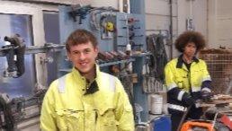 Zwei Auszubildende in norwegischer Werkstatt