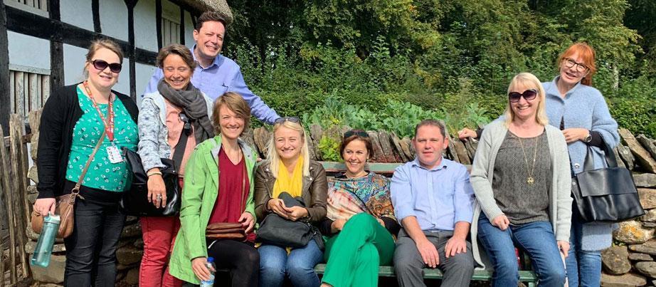 Gruppenbild der Teilnehmerinnen und Teilnehmer in Wales